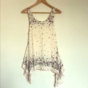 FREE PEOPLE - Creme floral top with small pockets